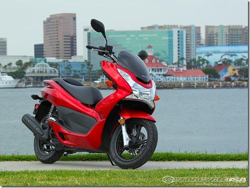 2011_Honda_PCX_125_9