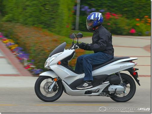 2011_Honda_PCX_125